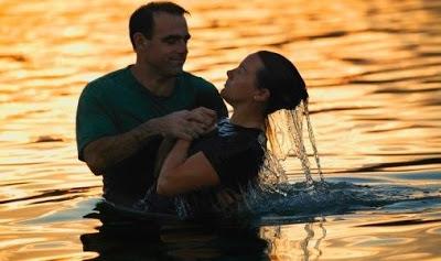 Batismo-por-imersão.jpg